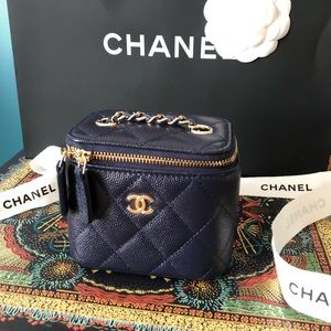 CHANEL classic small vanity with chain